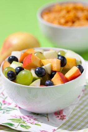 Frühstück mit Obstsalat
