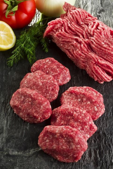 Deutsche essen zu viel Fleisch